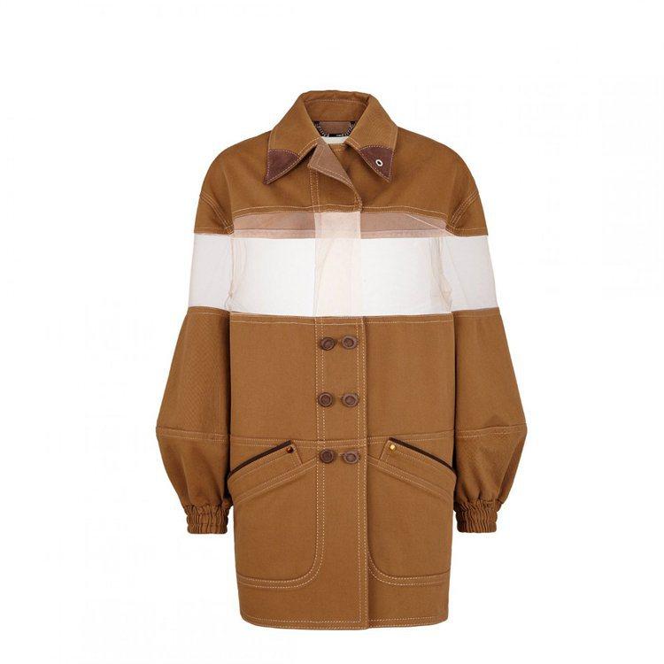 FENDI網紗雙排釦棕色外套,售價92,000元。圖/FENDI提供