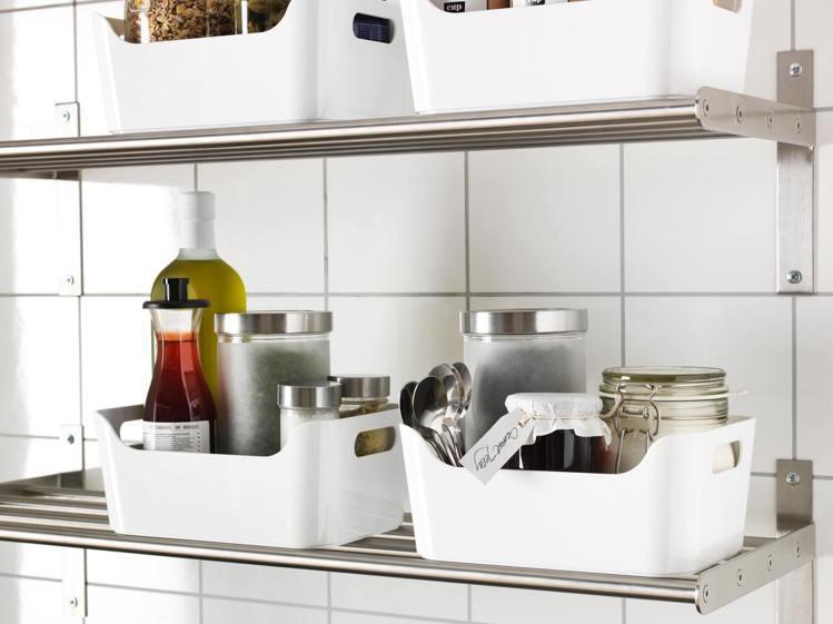 IKEA VARIERA收納盒可用來放置調味料、瓶罐,讓廚房空間更整齊。圖/IK...