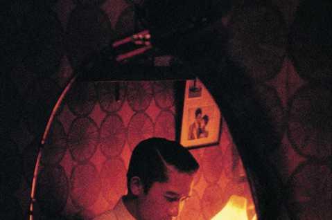 第73屆坎城國際電影節近日官方宣佈,王家衛導演作品「花樣年華」4K修復版,將於5月20日在今屆「坎城經典」之修復單元中進行全球首映,以慶祝影片上映二十周年。而電影「花樣年華」也將由此在全球展開包括主...