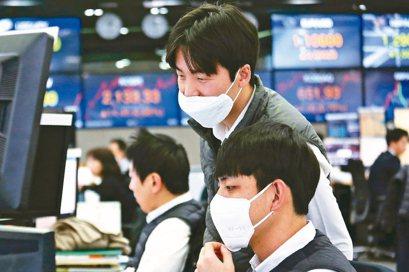 面對新冠肺炎疫情衝擊,企業應把握機會重新審視公司資源,妥善因應。 美聯社