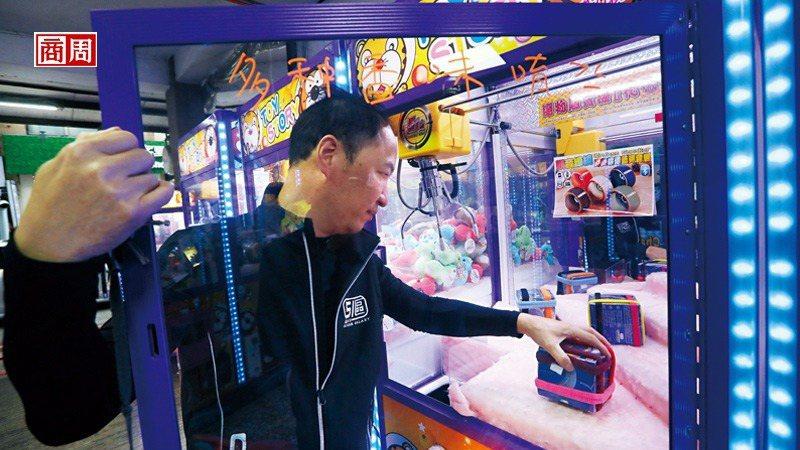51區董事長紀富騰(上圖)表示,熱銷的3C產品在上週就已斷貨。 (攝影者.楊文財...