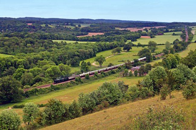 Belmond旗下傳奇列車及遊船Belmond British Pullman,...