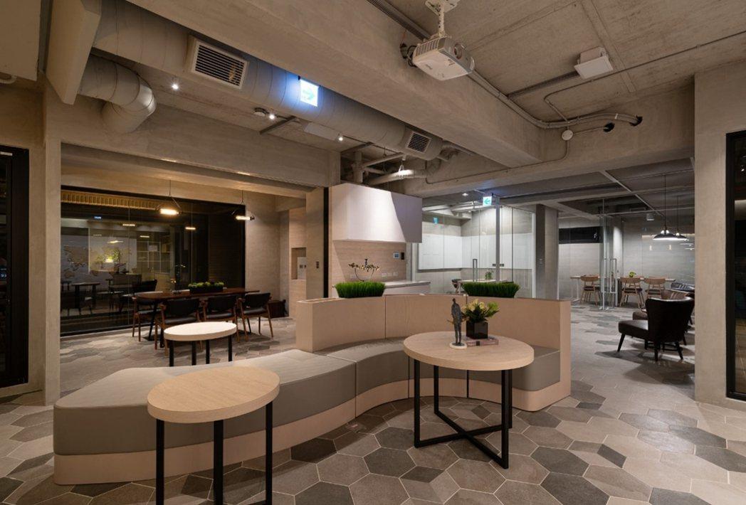 菁英宅生活:2樓單層工業風公設,是共享創意基地,也是健康休憩中心。圖片提供/都市...