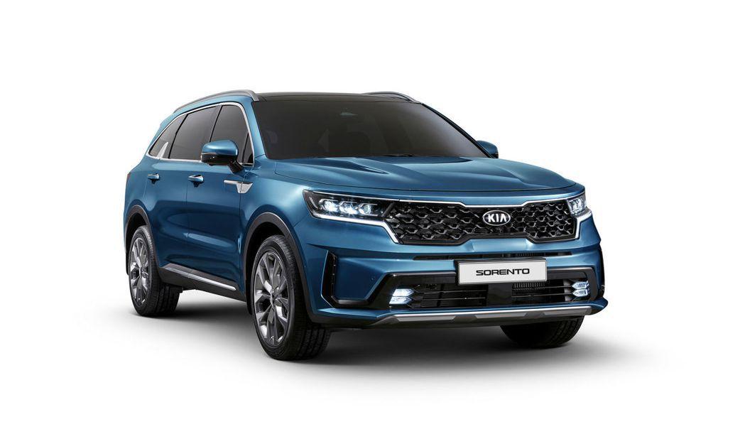 第四代Kia Sorento除了擁有柴油與油電動力配置外,還將提供全新2.5升T...