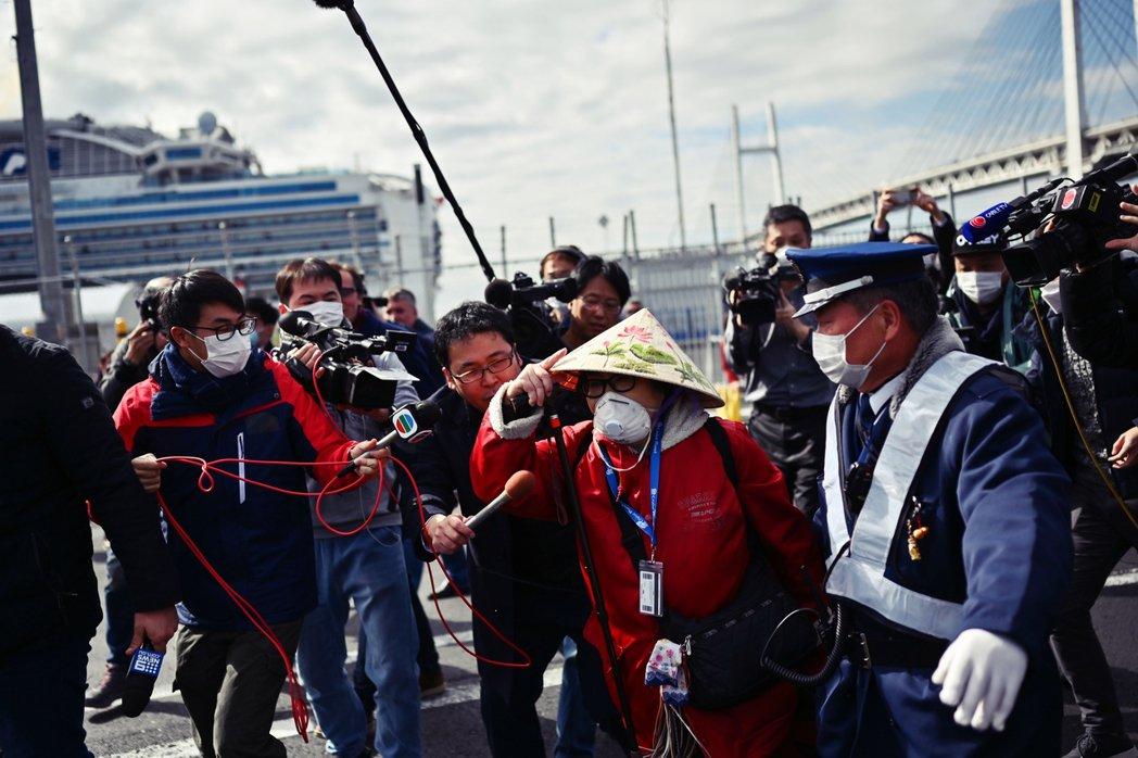 當初聽信WHO的指示進行防疫的日本,如今面對嚴峻的疫情擴散,WHO卻只說「日本會...