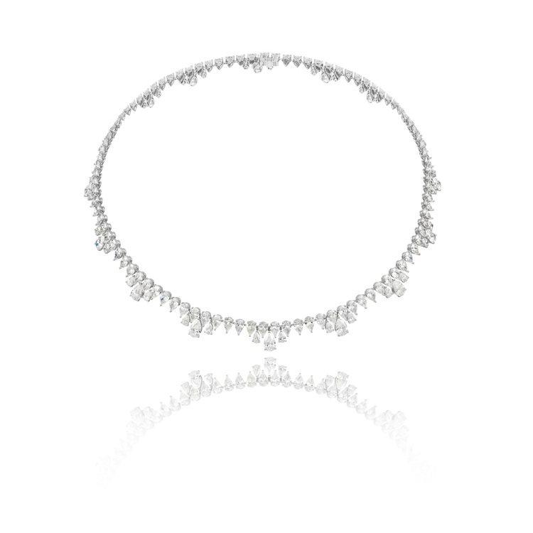 蕭邦Green Carpet系列鑲鑽項鍊,18K道德金開採白金鑲嵌43.03克拉...