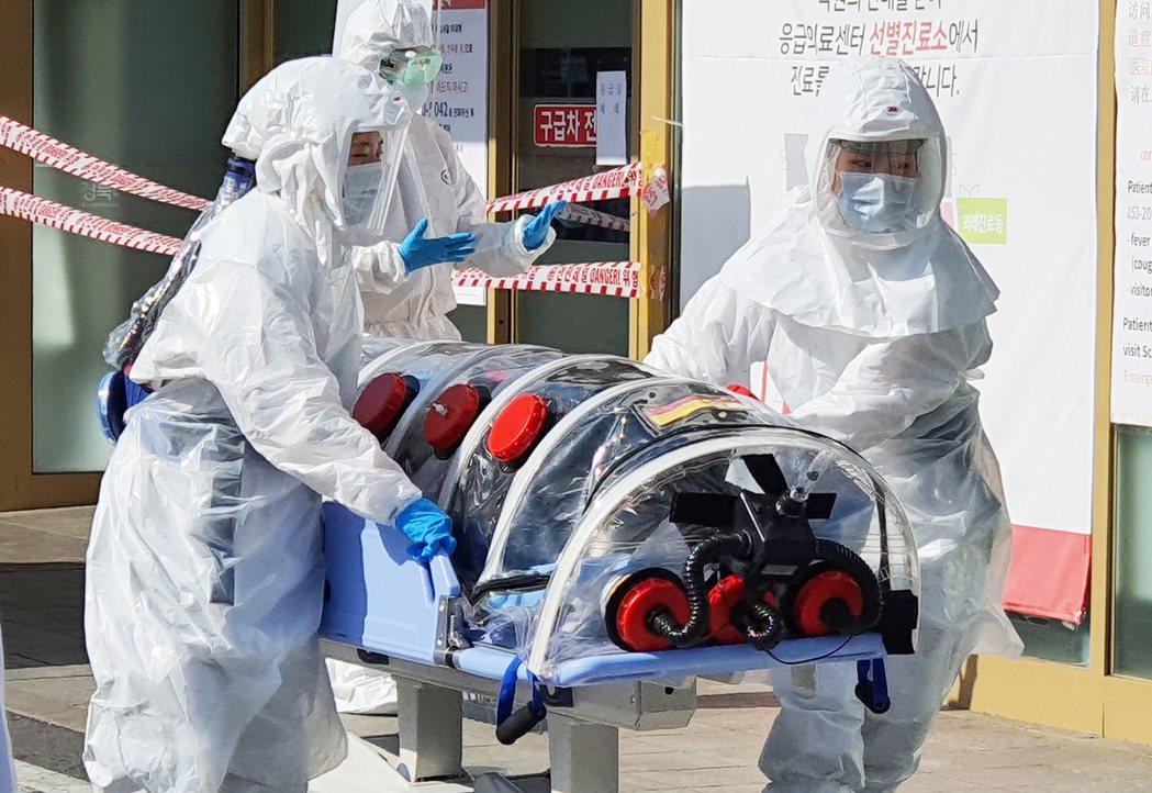 南韓新冠肺炎確診病例一天之內爆增。  歐新社