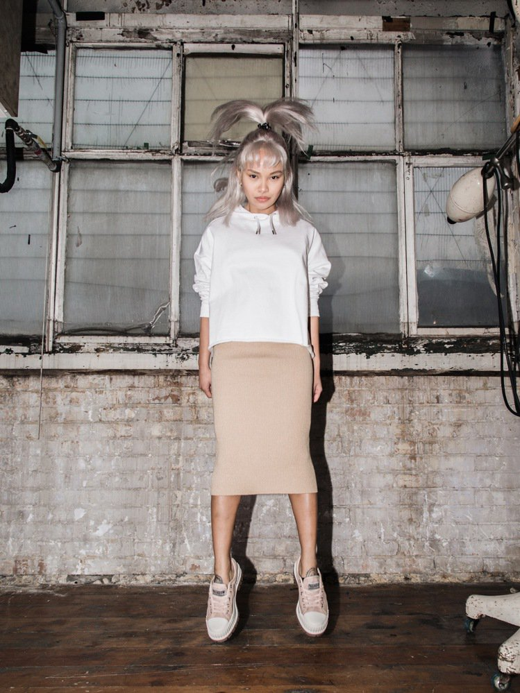 為了迎接春季的到來,各個鞋履品牌也為了呼應這樣的氛圍,主打粉紅色系,就是希望女生...