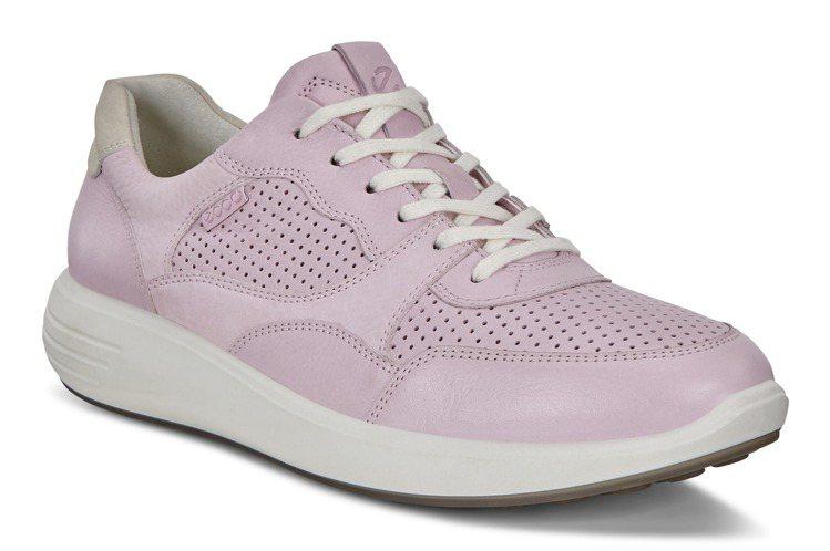 Ecco SOFT 7 RUNNER柔酷7號路跑系列泡泡搪色鞋款,5,980元。...