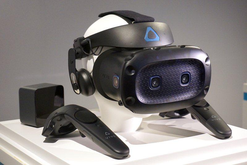 VIVE Cosmos Elite建議售價29,900元,將於2月24日至3月17日在全台HTC銷售通路開放預購。記者黃筱晴/攝影