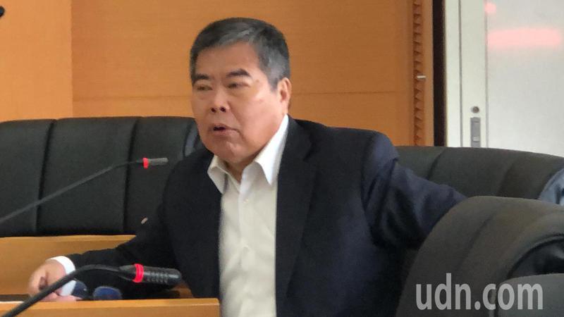 民進黨議員何敏誠指出,前市府改造BRT是斷尾求生,有功應予獎賞。記者陳秋雲/攝影