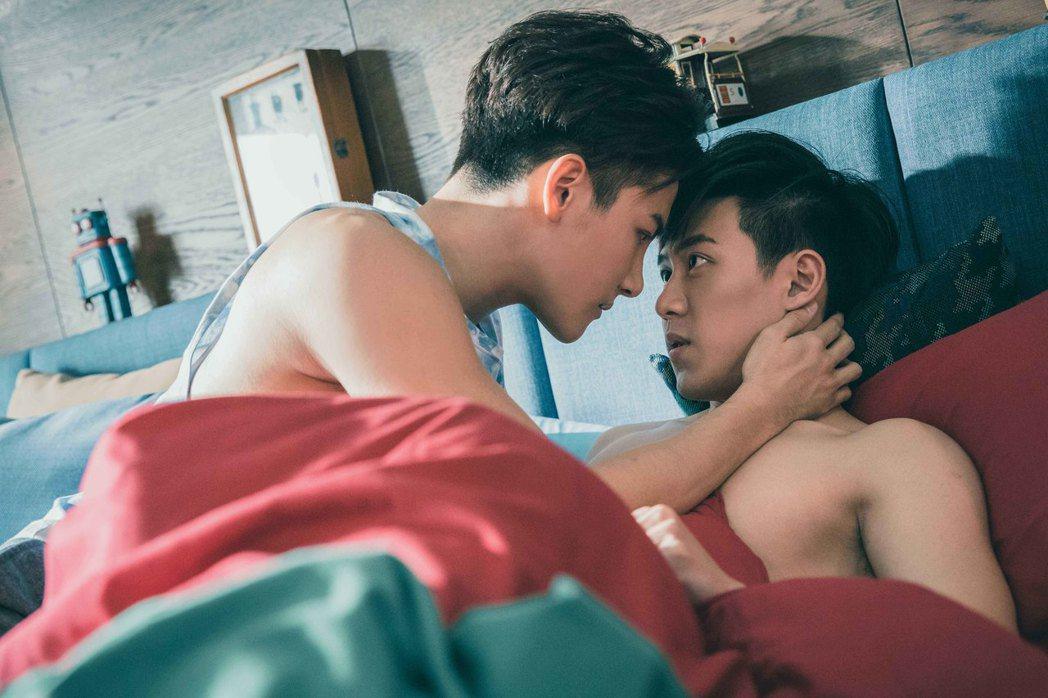 「2020因為愛你」上架五天就熱賣七國。圖/達騰娛樂提供
