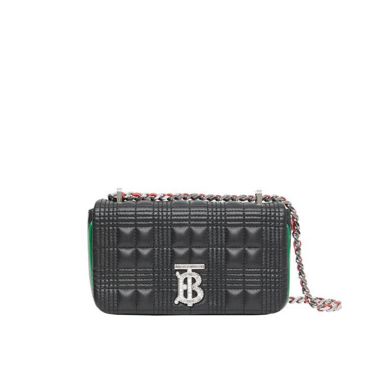 BURBERRY迷你絎縫羔羊皮飾銀鍊Lola包,售價59,000元。圖/BURB...