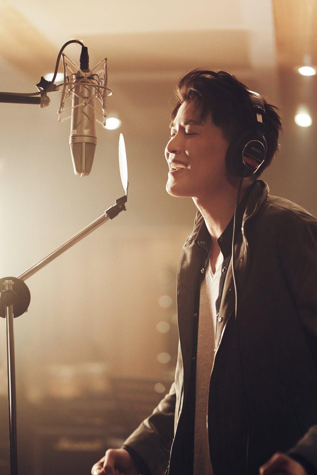 楊仁沛推出首支創作單曲「是你是你」。圖/Tiroka Pte. Ltd提供