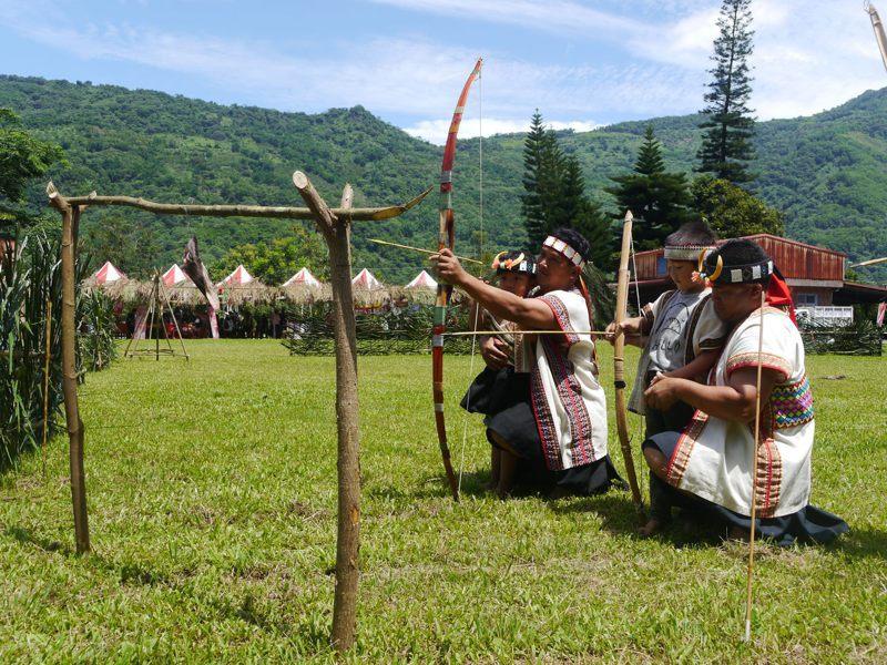 布農族射耳祭是年度重要活動,以培養族中優秀獵人為目的,高市那瑪夏與桃源區公所陸續宣布停辦今年度射耳祭。圖/聯合報系資料照片