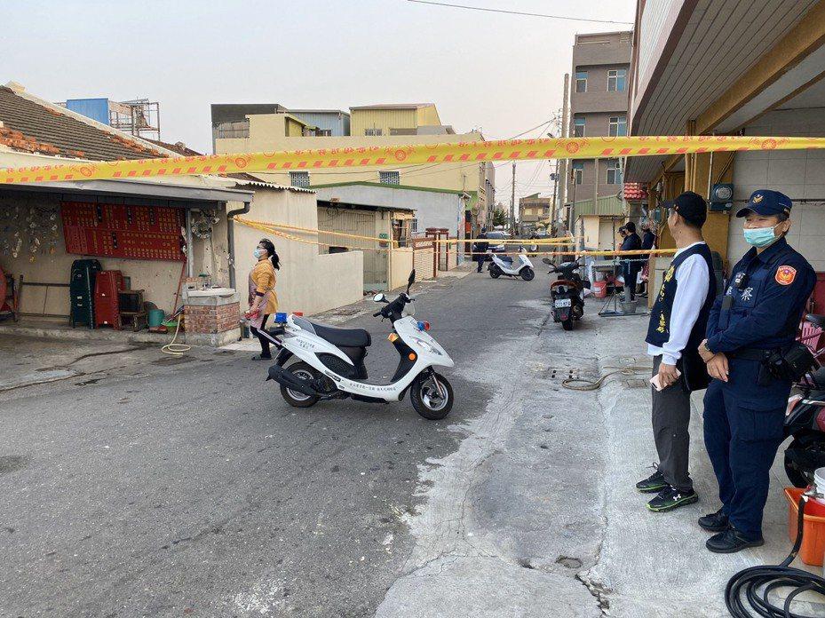 台南市將軍區今天下午有一對男女身受槍擊,男子送醫不治,女子傷勢嚴重在搶救中,圖為槍擊案現場。圖/記者吳淑玲翻攝