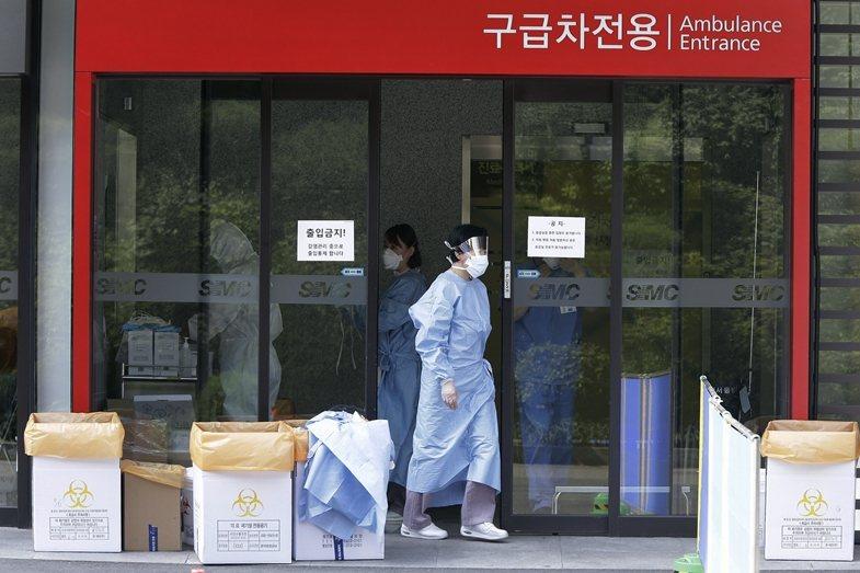 三星首爾醫院被譽為韓國最好的醫院之一,但當時感染MERS的病人一半以上都在三星首爾醫院。 圖/美聯社