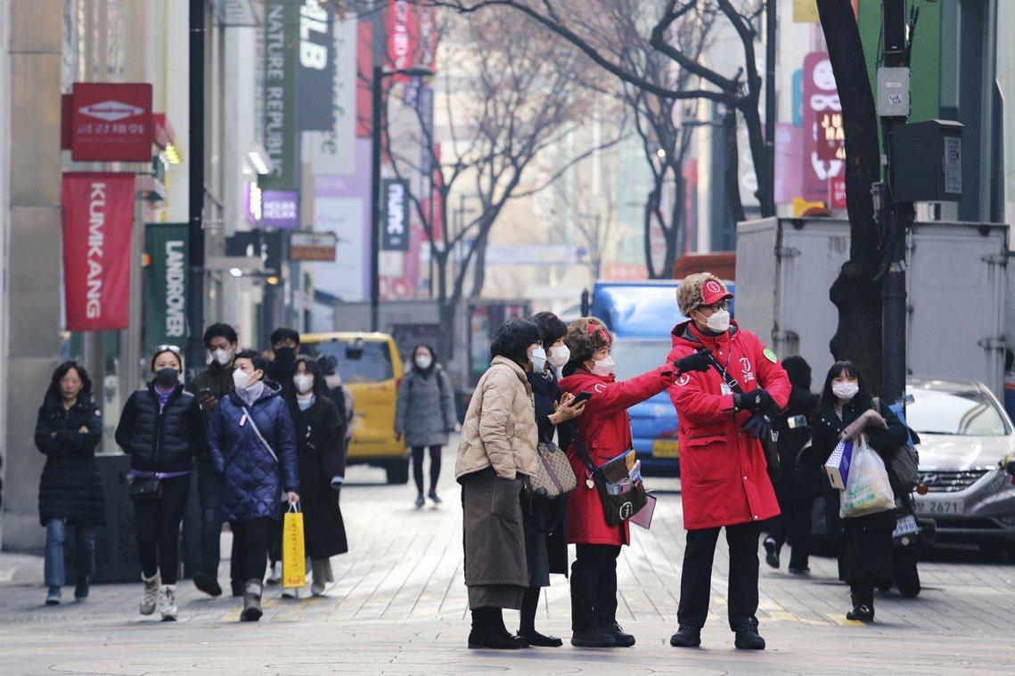 各方媒體的報導,卻都不清楚新天地教會,是否有「主動」通報南韓防疫本部,協助追查這...