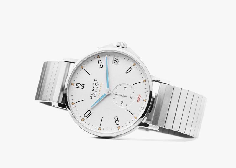 NOMOS,Tangente Neomatik 42 Date腕表,精鋼,時間顯示,防水300米,價格店洽。圖 / NOMOS提供。