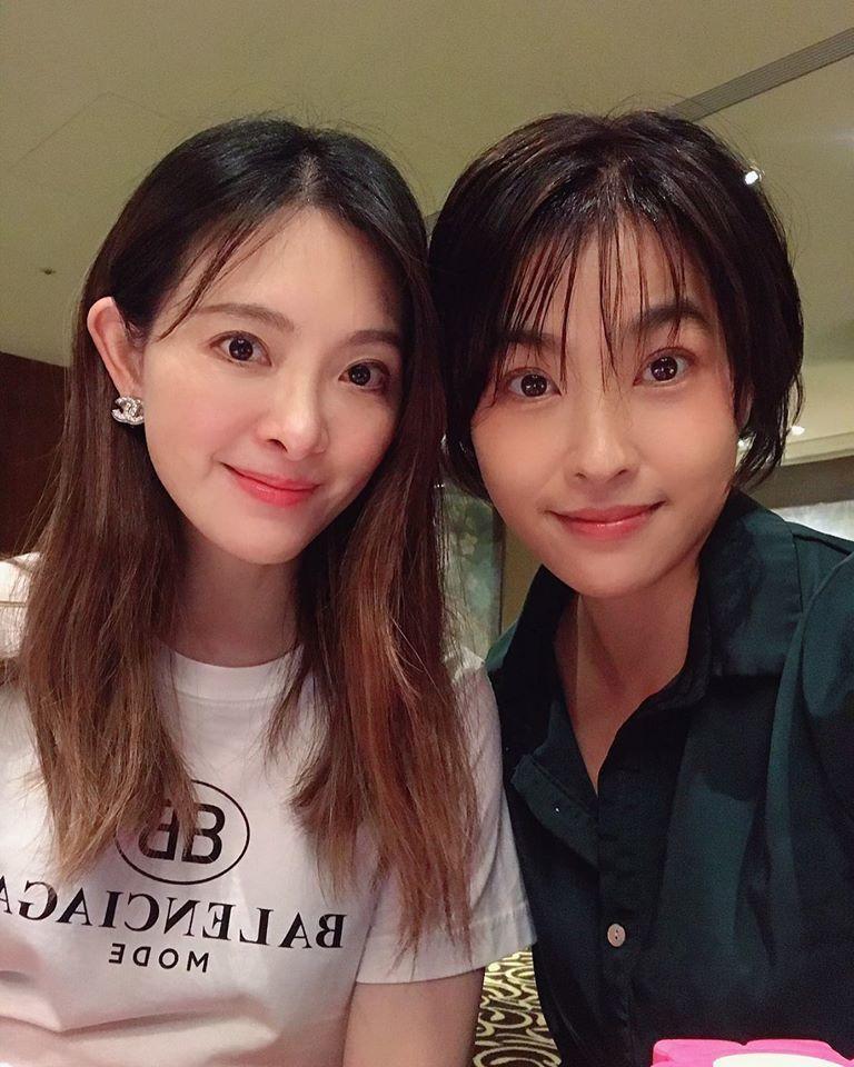 小嫻眼中,劉真是永遠溫柔的女人。圖/小嫻臉書