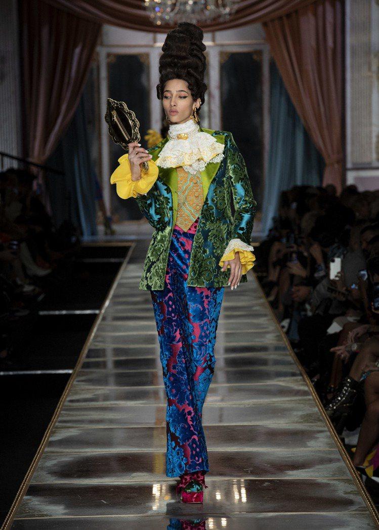 如果凡爾賽宮舉辦一場dress code主題是「梁山伯與祝英台」的舞會,女孩們就...