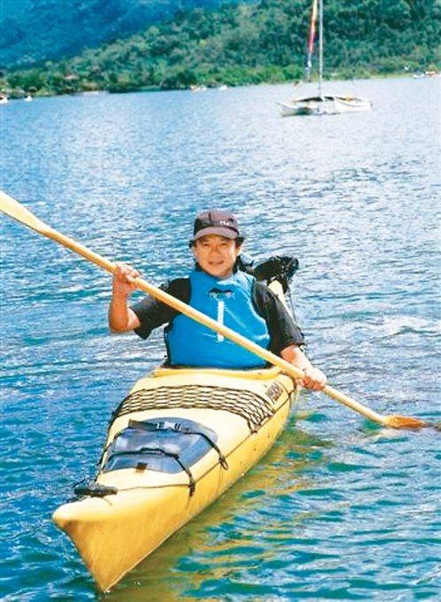 獨木舟也是葉金川挑戰體能的選擇。圖/葉金川提供
