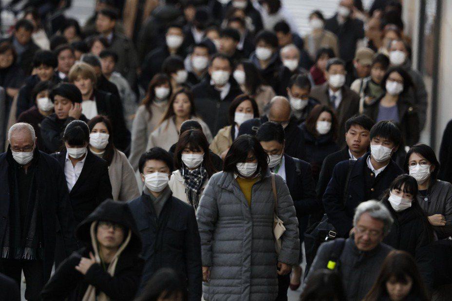 東京一名60多歲養老機構男性員工22日確診新冠肺炎,目前東京已累積至29起新冠肺炎確診。 美聯社