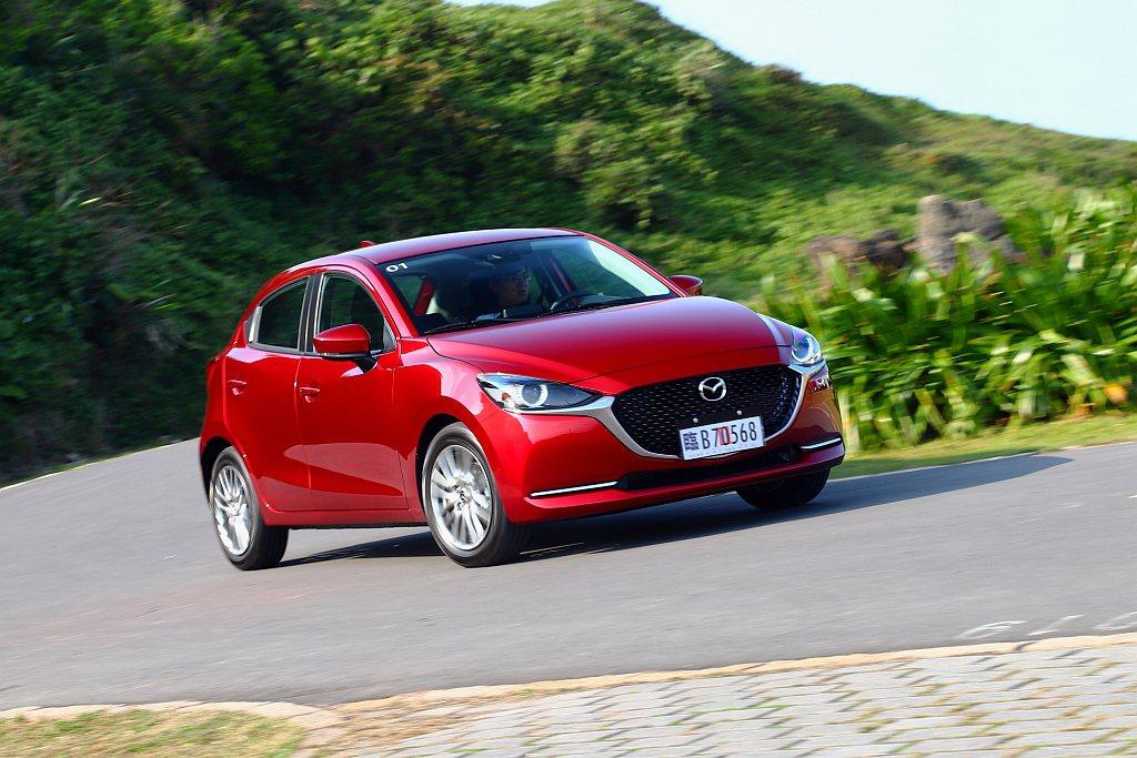 小改款Mazda 2電子輔助轉向系統重新調整,搭配G-VECTORING CON...