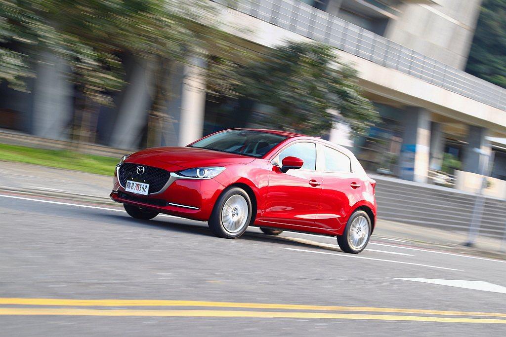 最大馬力微幅上揚至116ps、峰值扭力為15.1kgm,驅動Mazda 2這樣的...