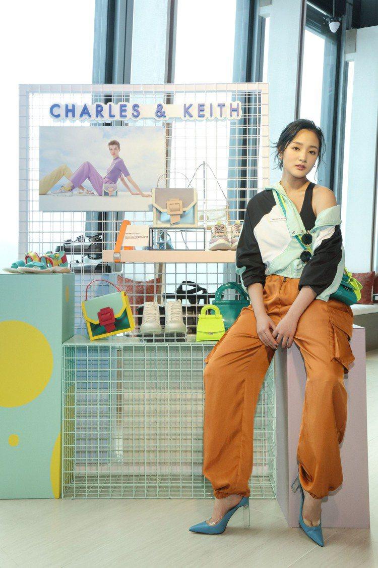 女星王淨為Charles & Keith演繹春季新品鞋履、包款。圖/Charle...