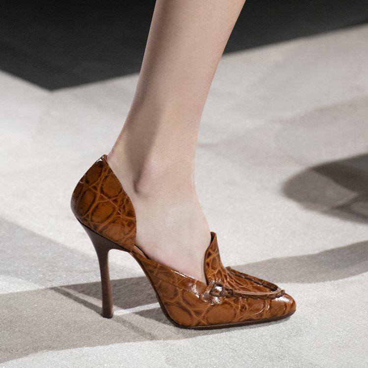 創意總監Walter Chiapponi將高跟鞋重返伸展台。圖/TOD'S提供