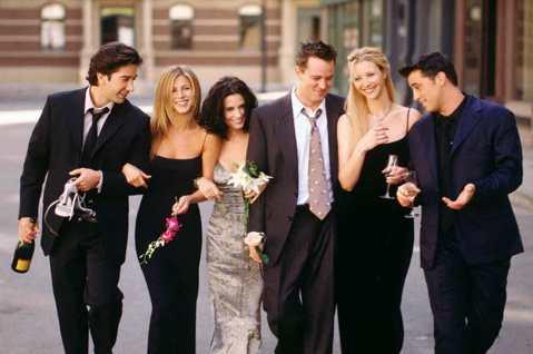 美國觀眾永遠無法抵擋「六人行」的魅力。在該劇去年底從Netflix約滿下架後,DVD銷量一路衝高,預計今年5月正式開張的最新影音串流平台HBO Max宣布將以「六人行」所有主角再次團聚特別節目搭配全...