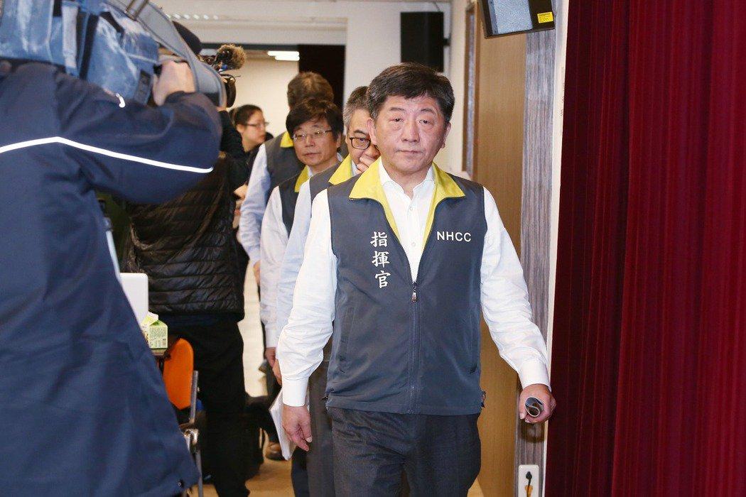 中央流行疫情指揮官陳時中昨天宣布,日韓旅遊將升至第二級警示。記者曾原信/攝影