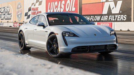 Porsche Taycan Turbo S就是嗆 四分之一哩加速戰打敗Tesla Model S!