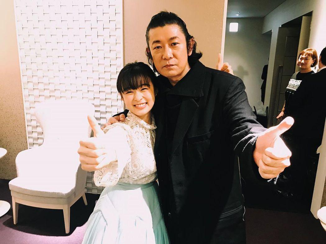 永瀨正敏、森七菜飾演父女。圖/摘自IG