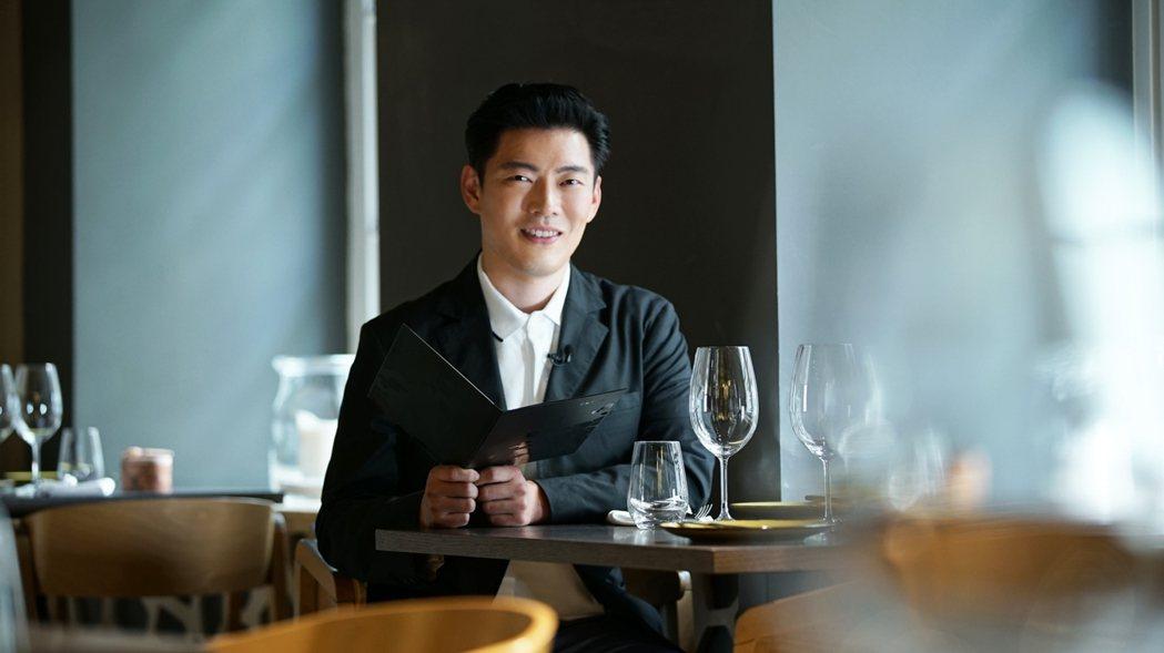 王凱傑造訪米其林餐廳。圖/亞洲旅遊台提供