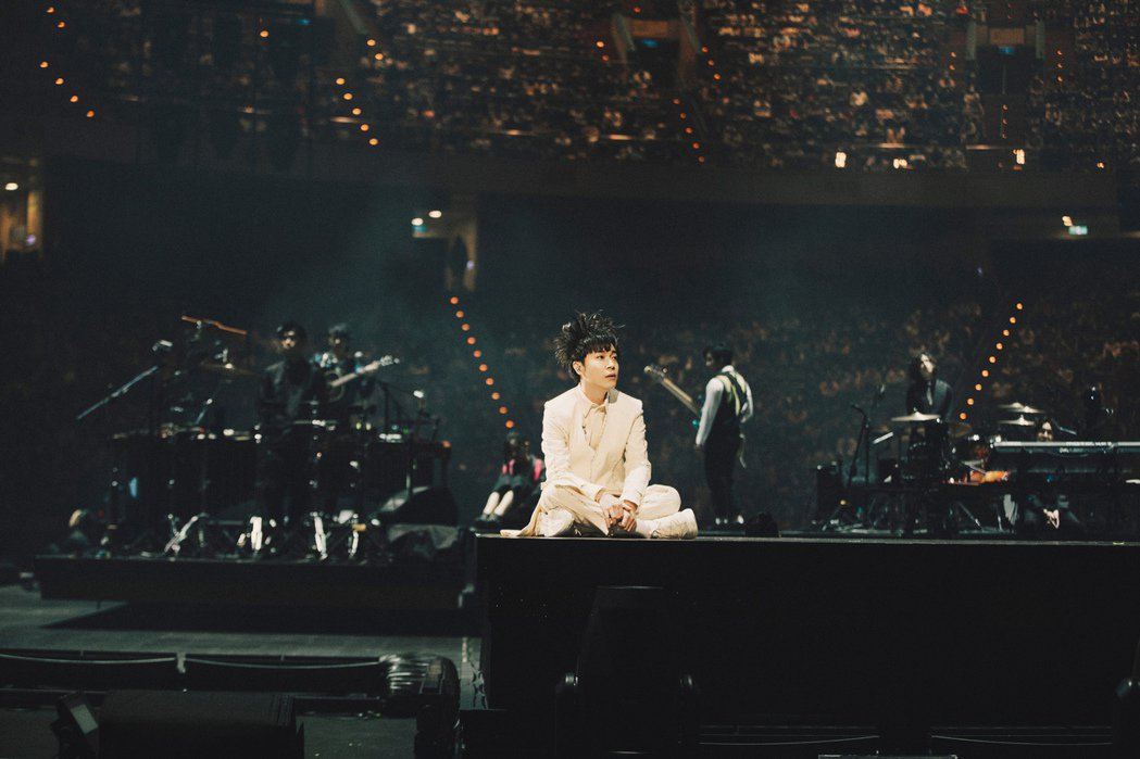吳青峰在台北小巨蛋連辦2場「太空備忘記」巡演。圖/環球音樂提供
