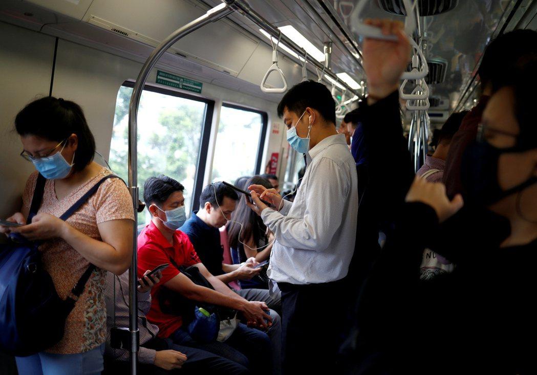 新加坡目前有八十四起新冠肺炎確診病例,是中國大陸以外疫情最嚴重的國家之一。 (路...