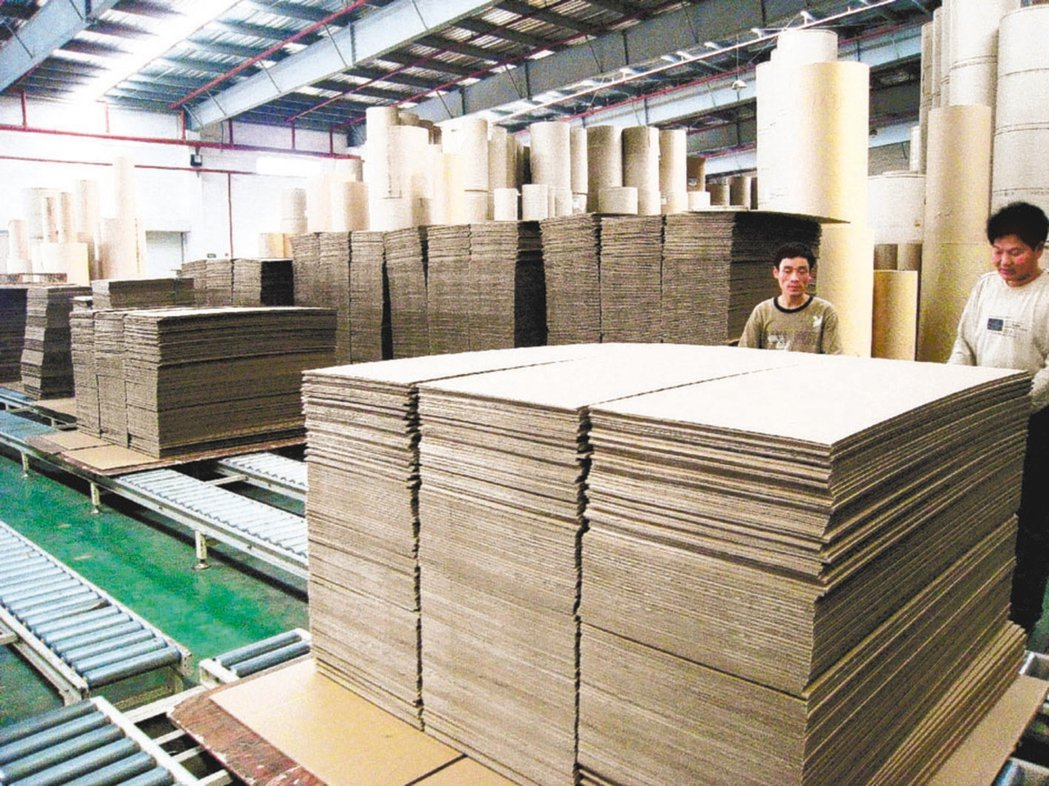國內造紙類股,受惠於衛生紙因防疫需求增加,加上物資運送也帶動紙箱用量,股價逆勢抗...