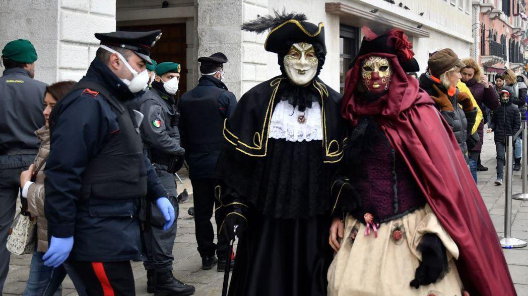 威尼斯嘉年華最後兩天的活動因新冠肺炎疫情取消。 (美聯社)