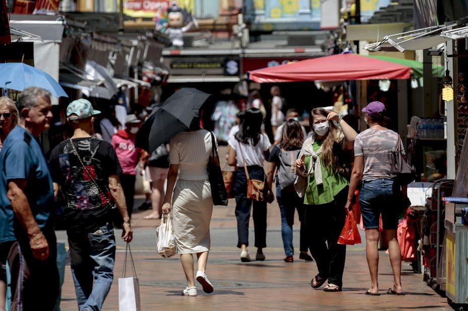 新加坡今(24日)新增一起新冠肺炎確診病例,全國確診累計達90例。 歐新社