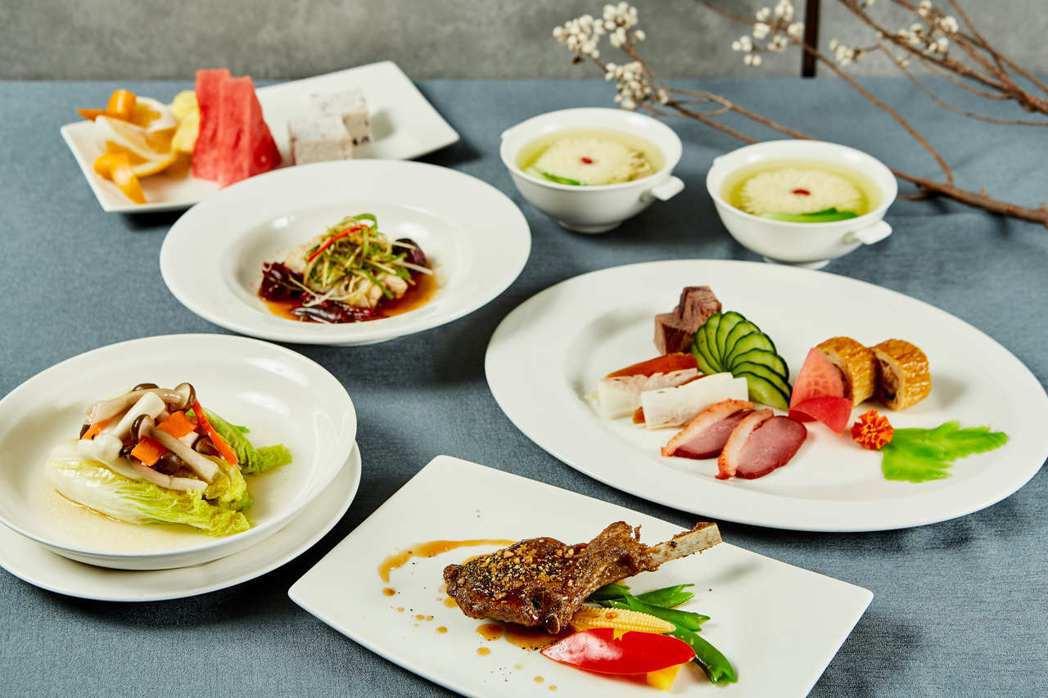 國宴級禮遇商業午餐包含豪華雙主餐、迎賓前菜、脆皮松坂肉、國宴湯盅及水果甜品,每套...