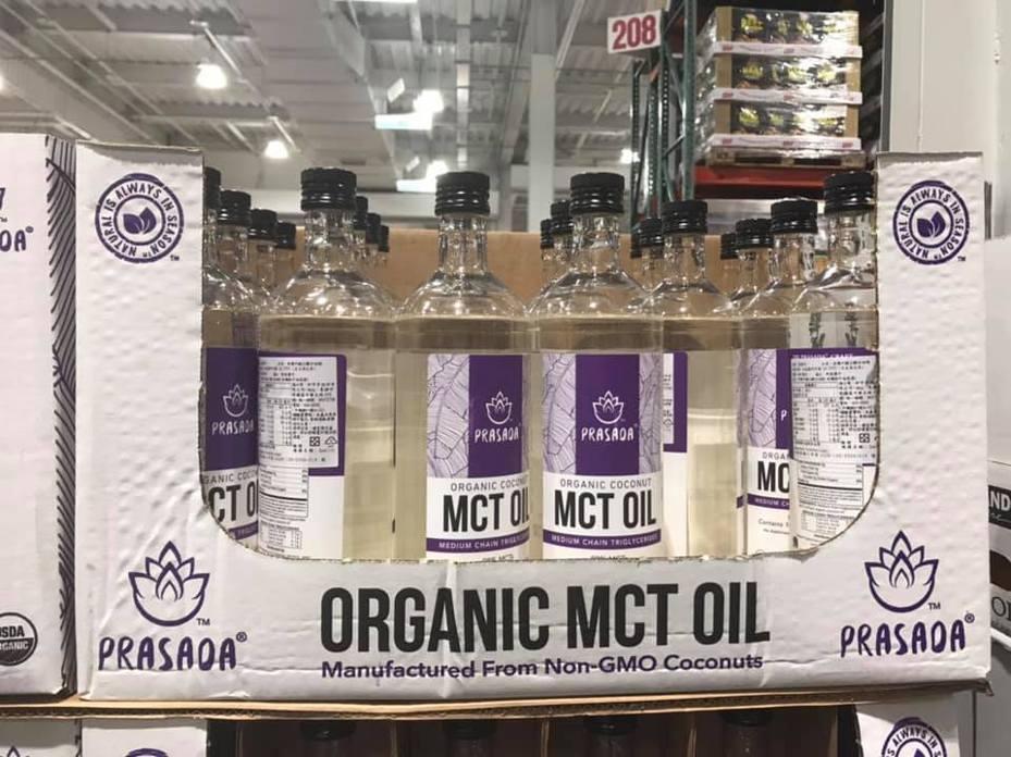 「有機中鏈三酸甘油脂」由椰子油提煉而成,可搭配咖啡、可可,以生酮飲食法飲用。圖/Facebook