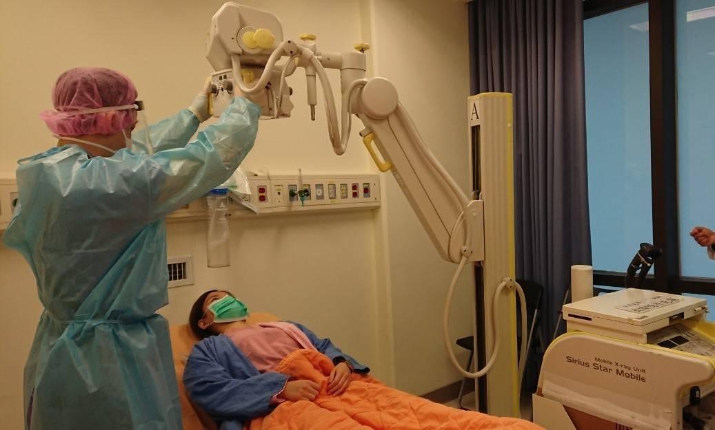 宜蘭有1名新冠肺炎確診病例,縣衛生局表示,該名患者住院隔離18天,目前病情穩定。...