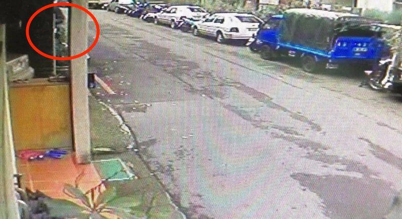 台中市高姓男子在去年8、9月間連續在西屯區以翻牆進入透天厝的手法,侵入市民住宅行竊,犯案6起得手13萬餘元。記者陳宏睿/翻攝