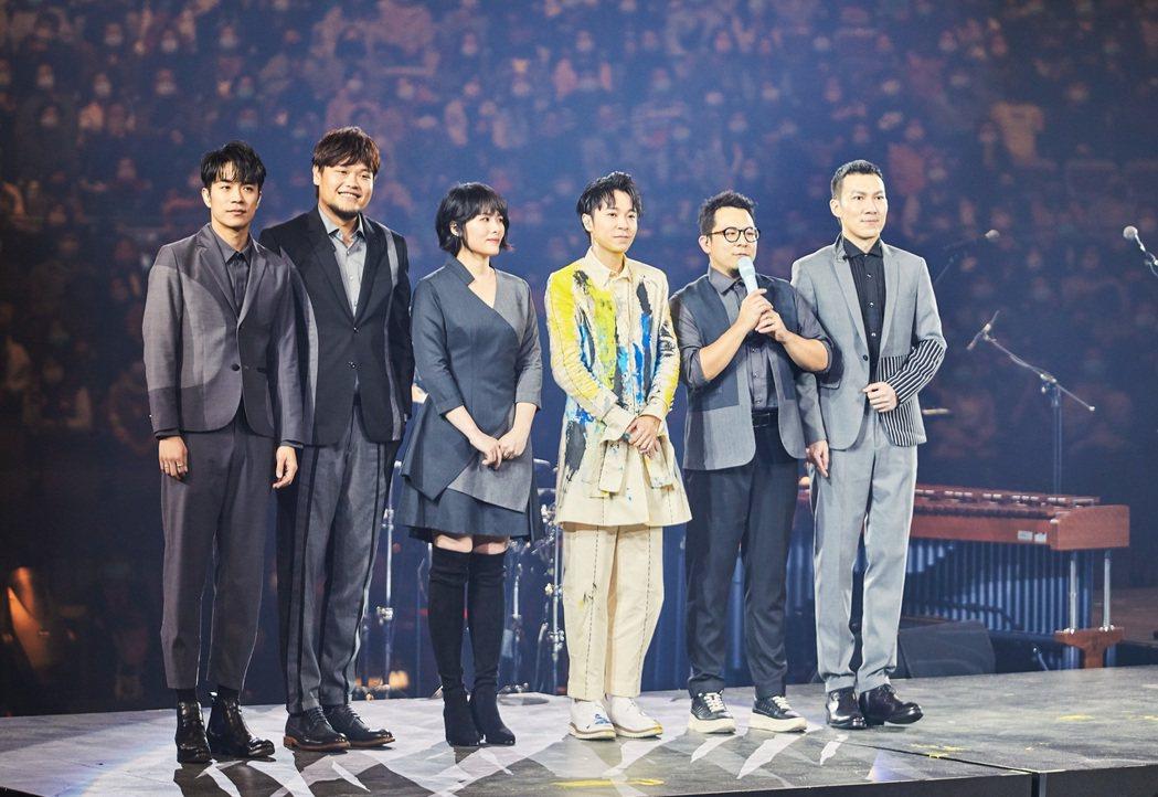 蘇打綠昨在吳青峰演唱會首唱新歌。圖/環球音樂提供