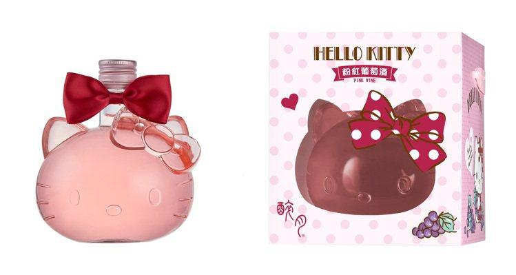 Hello Kitty大頭造型粉紅葡萄酒,搭配超可愛蝴蝶結裝飾。圖/全家便利商店...