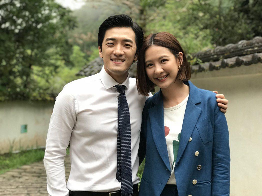 安心亞(右)與鍾政均合作「墜愛」。圖/幸星娛樂提供