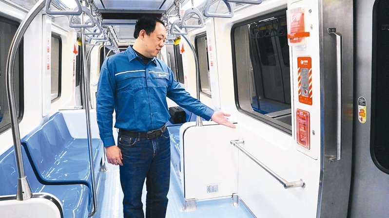 台北捷運文湖線列車改裝,一部列車總座位數增為84個。 圖/北捷提供