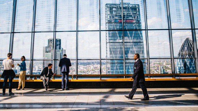 研究發現,一般社會大眾認為CSR績優公司,比一般公司更溫暖、也更有能力,而產生認...